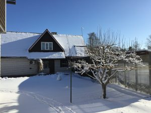 Vaade-puhkemajale-lumine-3-aprill